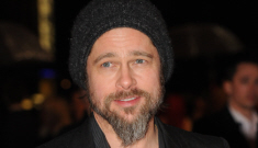 Is Brad Pitt wearing a Freemason ring?