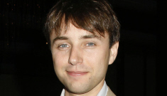 Vincent Kartheiser lives in an LA home without a toilet, car or mirrors