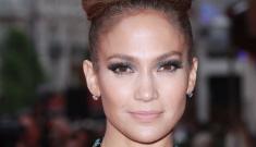 """Jennifer Lopez is wearing a bird's nest made of hair"" links"