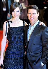 Tom Cruise and Katie Holmes at the Valkyrie premiere in 2009